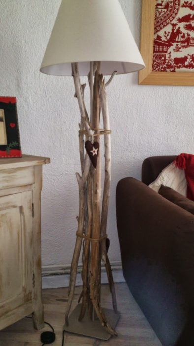 Деревянный торшер