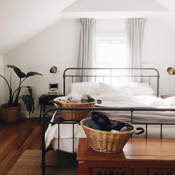Корзины для спальни
