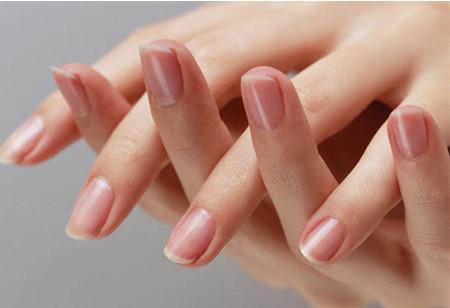 Маникюр на короткие ногти без лака