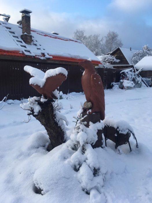 Резная фигура из дерева для дачи