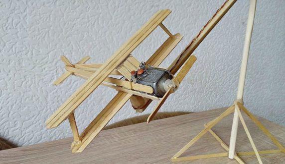 Самолет из китайских палочек