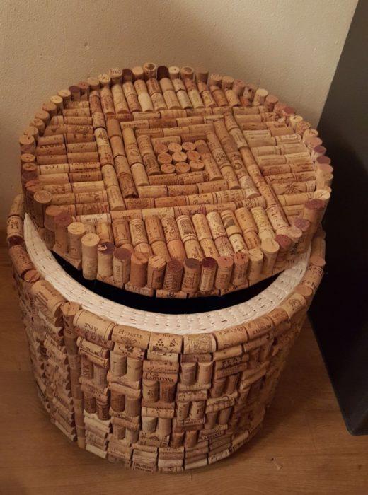 Мебель из винных пробок
