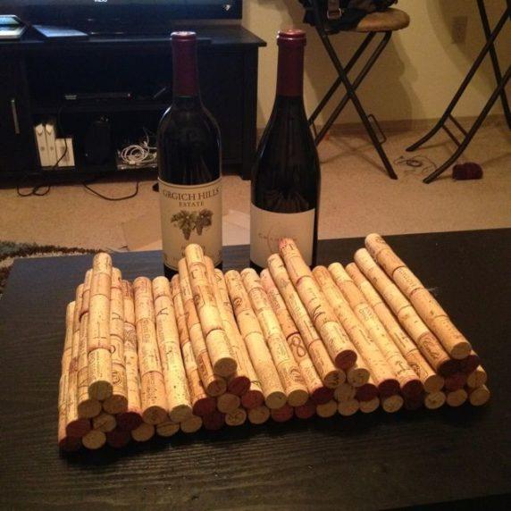 Полка для вина из пробок