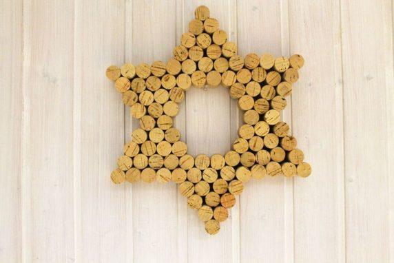 Звезда из винных пробок