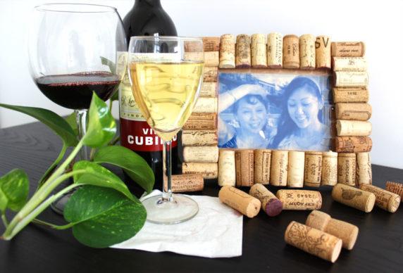 Рама для фото из винных пробок