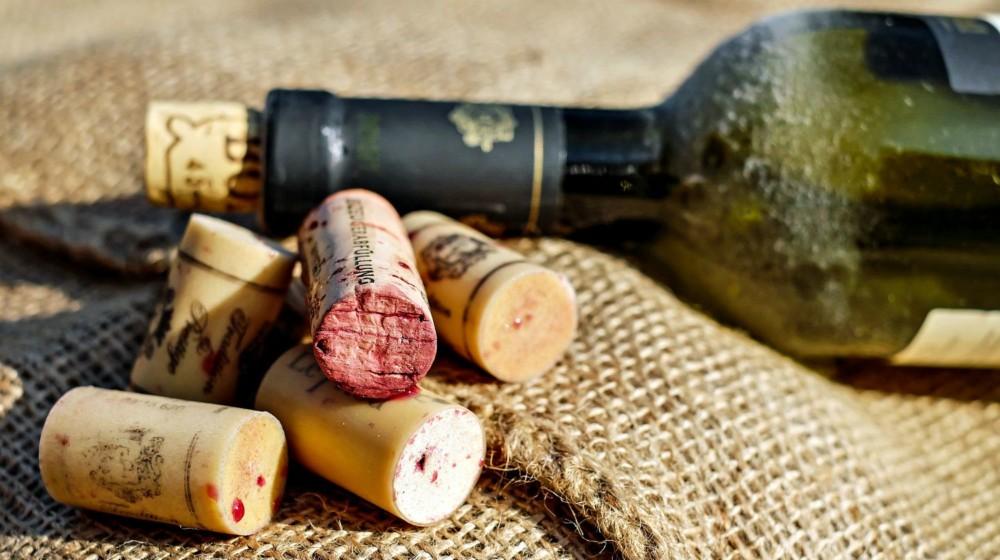 Из чего делают пробку от вина