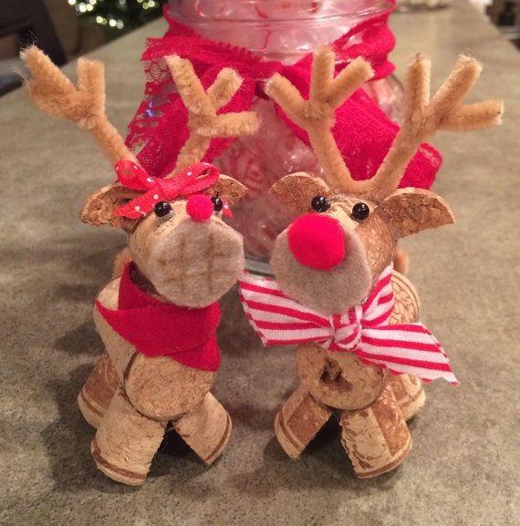 Рождественский олень из пробок от вина