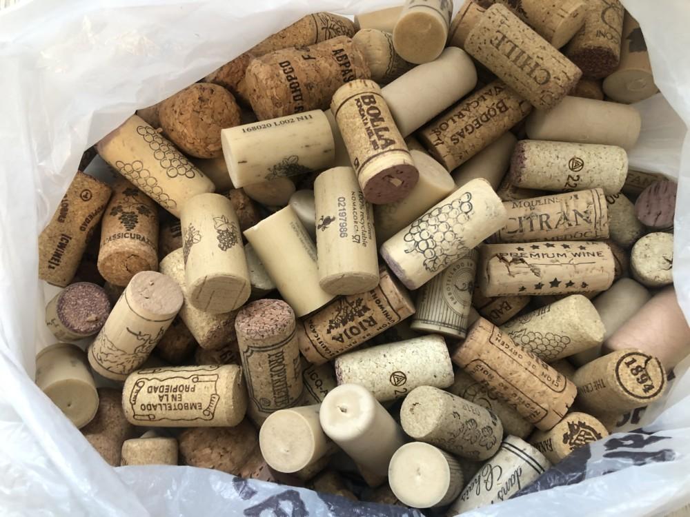 Пробки от вина для новогодней елки