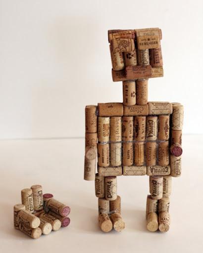 Робот своими руками из пробок от вина