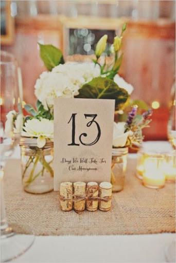Свадебные атрибуты из винных пробок
