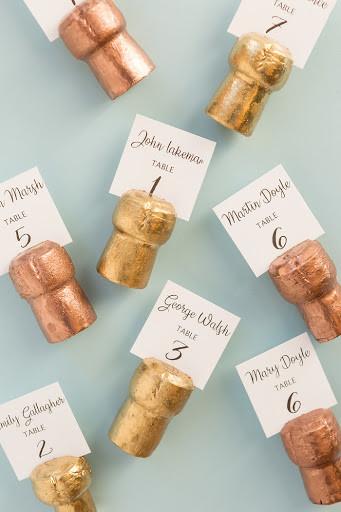 Свадебная табличка из пробки для вина