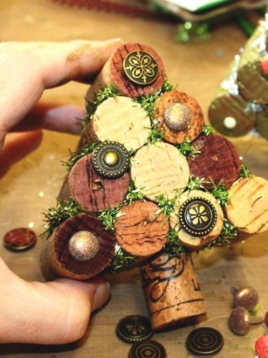 Пробковая елка своими руками