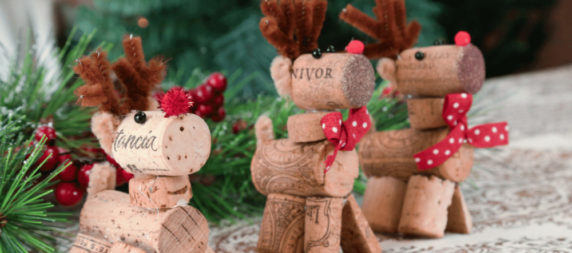 Новогодний олень из пробки от вина своими руками