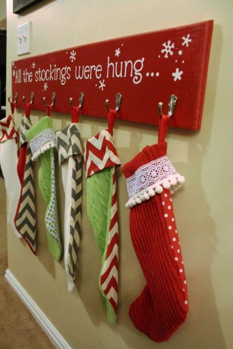 Рождественские сапожки в интерьере