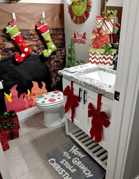 Новогодний интерьер в туалете