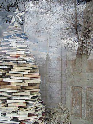 Елка из множества книг
