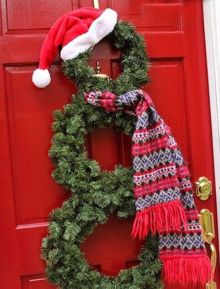 Входная дверь в новогоднем стиле