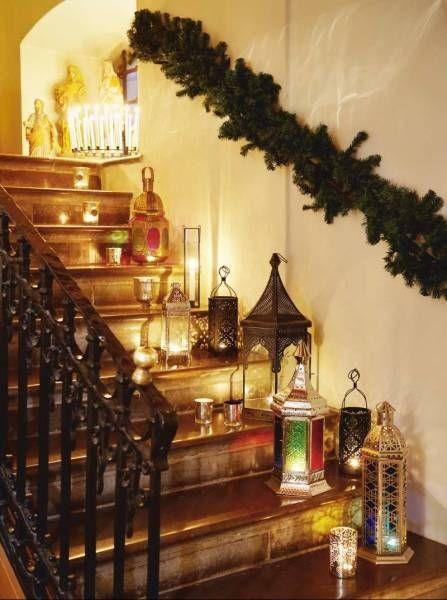 Новогодний интерьер на лестнице