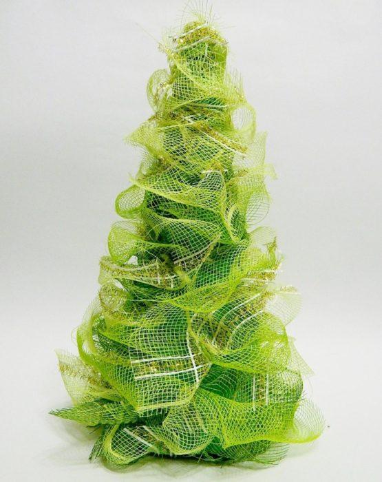 Объемная елка из ленты
