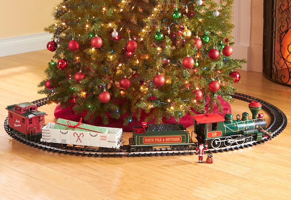 Железная дорога в новогоднем интерьере
