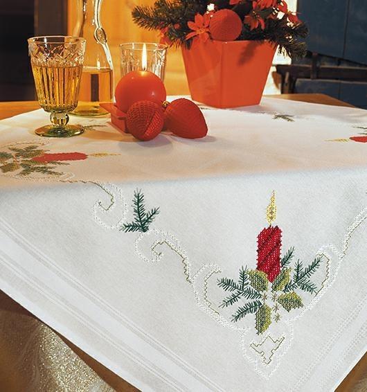 Скатерть с новогодней вышивкой