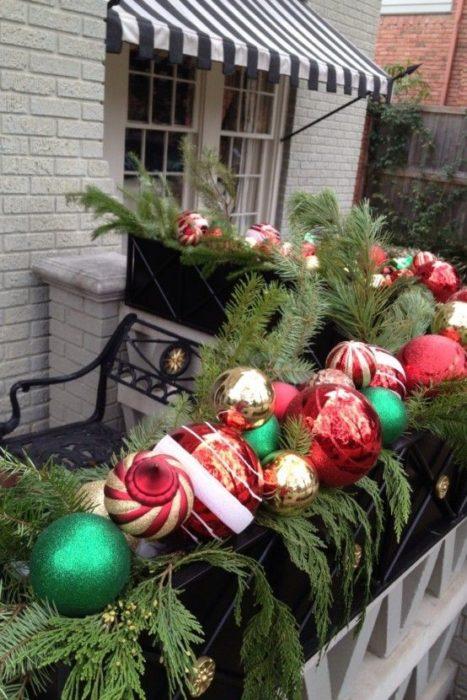 Интерьер балкона к Новому году
