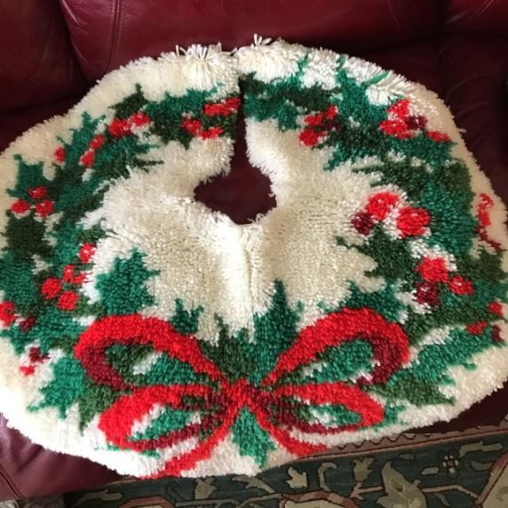 Новогодний коврик для елки