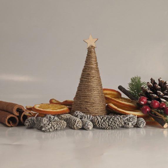 Новогоняя елка из веревки