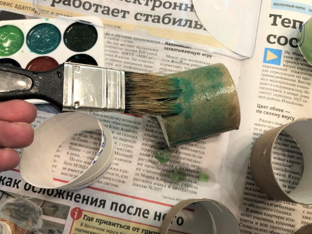Окрашивание втулок зеленой краской