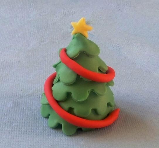 Новогодняя елка из глины