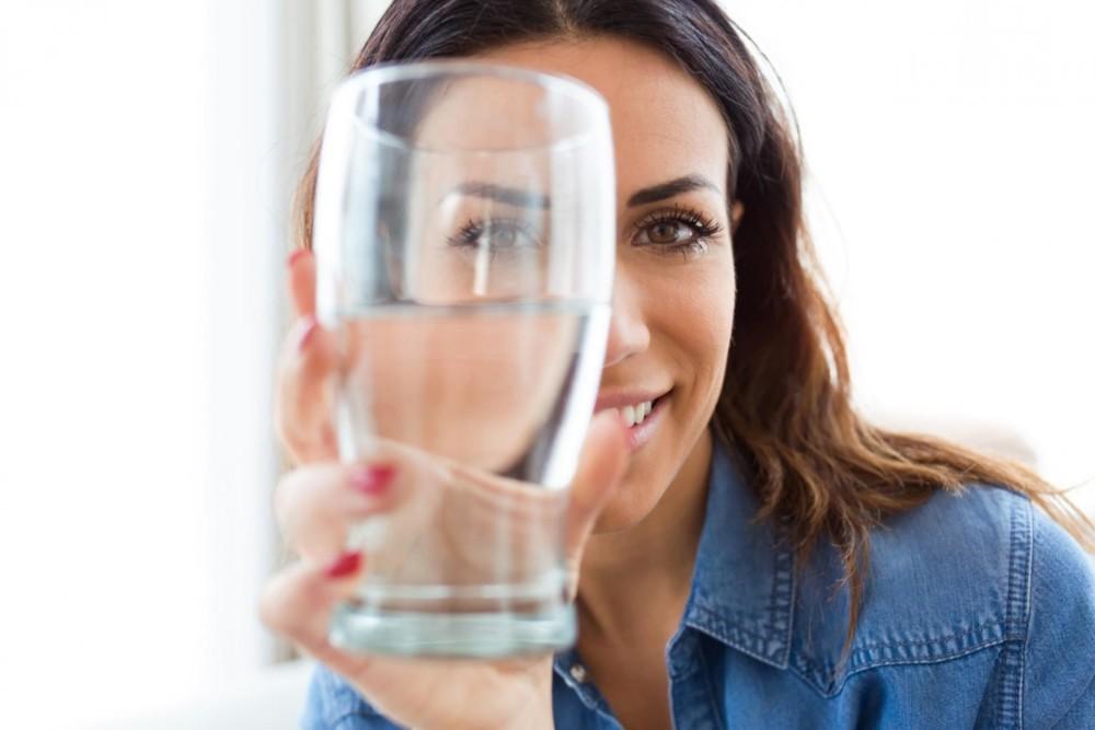 Вода для здоровой кожи лица