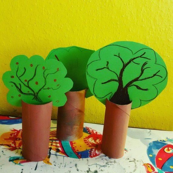 Дерево из втулки от туалетной бумаги
