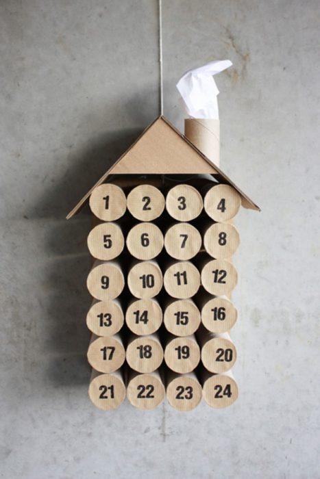 Календарь из втулок