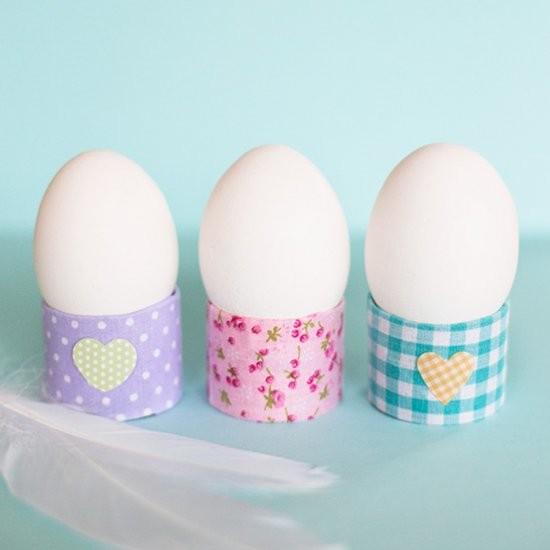 Подставка для яиц из картонной втулки