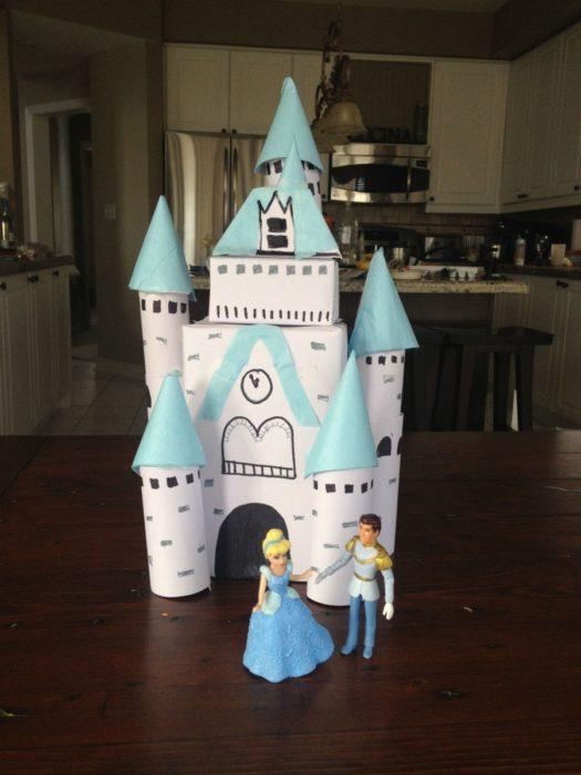 Замок из туалетных втулок своими руками