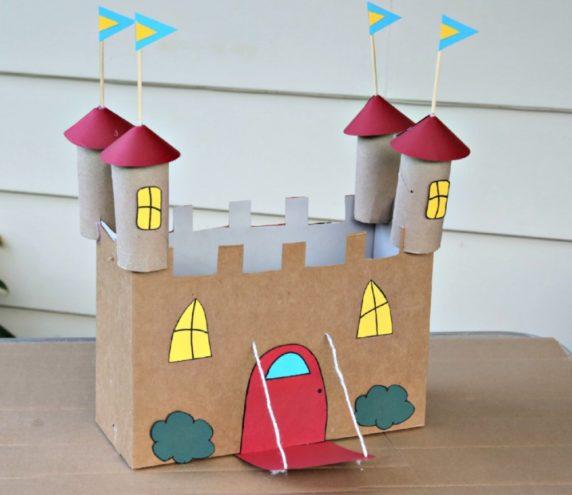 Игрушечная крепость из втулок