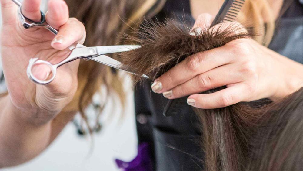 Стрижка кончиков для роста волос