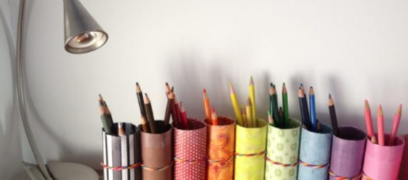 Красивая карандашница из картонной втулки