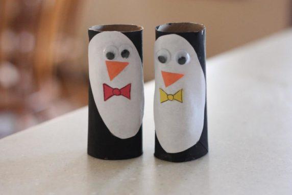 Пингвин из туалетной втулки