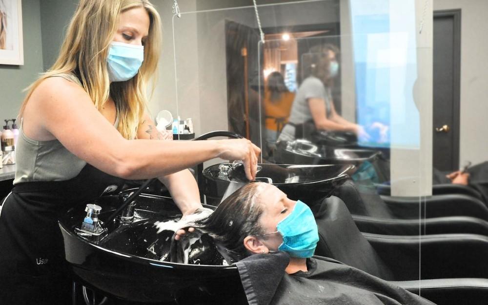 Уход за волосами в салоне красоты