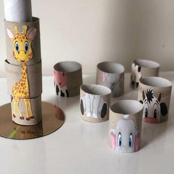 Жираф из втулок от туалетной бумаги