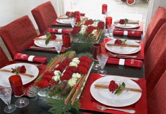 Сервировка стола в красных тонах