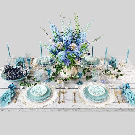 Сервировка стола в синих оттенках