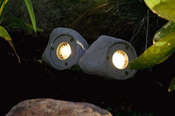 Светильник из цемента для сада