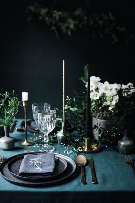 Сервировка стола для приема гостей