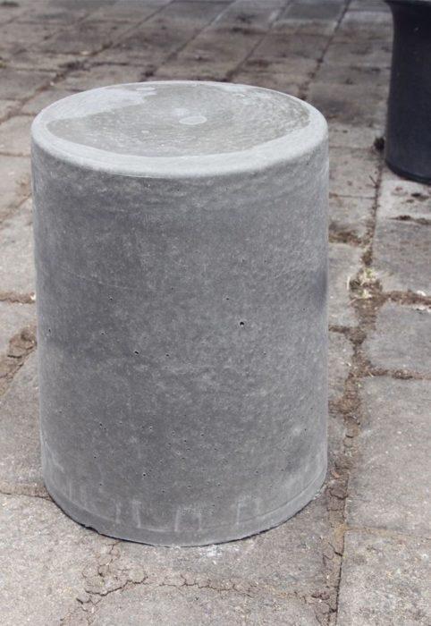 Стол для дачи из цемента