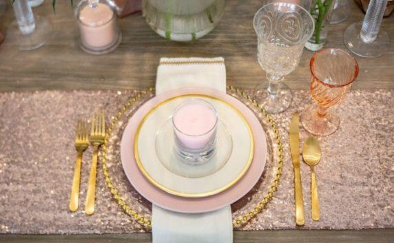 Сервировка стола для женщины