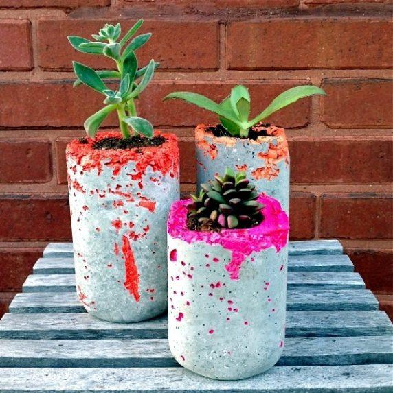 Цементная ваза для сада