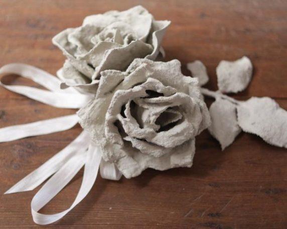 Садовый цветок из цемента