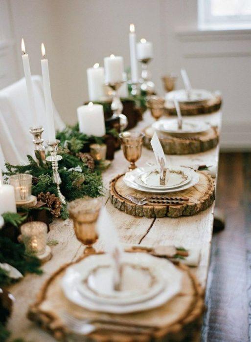Сервировка стола с живыми растениями
